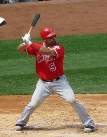 468px-Albert_Pujols_on_April_14,_2012